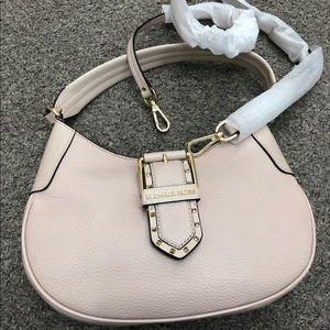 New 🏷 🌸🌸Michael KORS purse 👛🌸